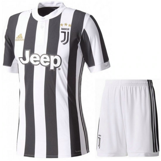 Ensemble Foot Juventus Adulte 2017/2018 Domicile